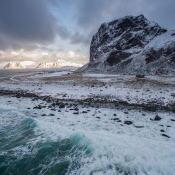 Donkere lucht op de Lofoten